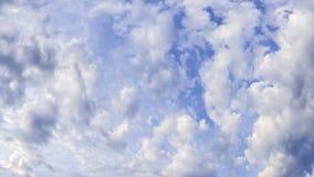 Cielo nublado de la primavera Fotos de archivo libres de regalías