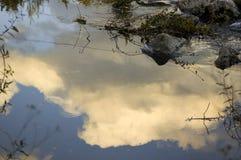 Cielo, nuvola e fiume Immagine Stock