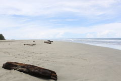 Cielo nuvoloso blu delle spiaggie di sabbia bianche Fotografie Stock Libere da Diritti