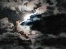 Cielo nuvoloso della luna luminosa Immagine Stock Libera da Diritti