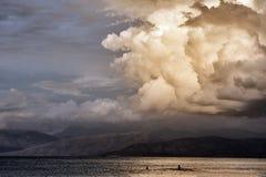 Cielo nuvoloso dopo la tempesta Immagine Stock