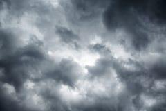 Cielo nuvoloso grigio tempestoso Fotografia Stock Libera da Diritti