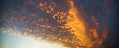 Cielo nuvoloso scuro Fotografie Stock
