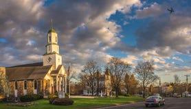 Cielo nuvoloso sopra la città di Hadley fotografie stock libere da diritti
