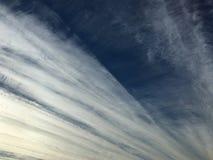 Cielo nuvoloso a strisce fotografie stock