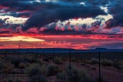 Cielo occidental de la puesta del sol imagen de archivo