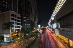 Cielo oscuro di bella illuminazione di Bangkok importante Immagini Stock