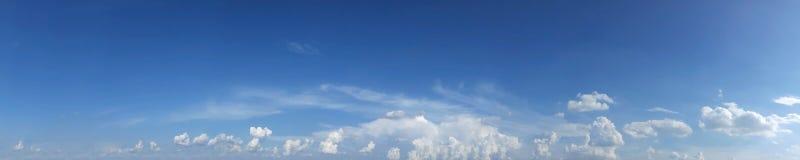 Cielo panorámico con la nube Foto de archivo
