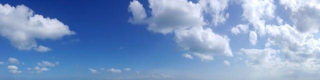 Cielo panorámico con la nube Imagen de archivo
