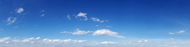 Cielo panorámico con la nube Imágenes de archivo libres de regalías