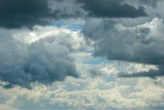 Cielo que se nubla Imagenes de archivo