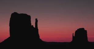 Cielo rojo en el valle del monumento Fotos de archivo libres de regalías