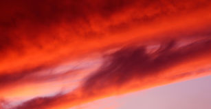 Cielo rosso di sera Fotografia Stock