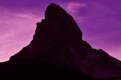 Cielo rosso sopra il matterhorn Fotografia Stock