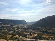 cielo sobre las montañas foto de archivo libre de regalías