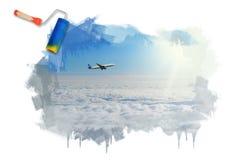 Cielo soleggiato blu con le nuvole Immagine Stock