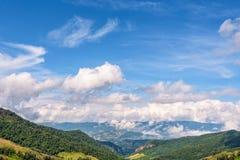 Cielo sopra la gamma di alta montagna Fotografia Stock Libera da Diritti