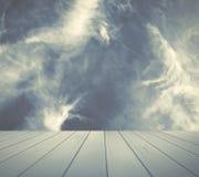 Cielo tempestoso con priorità alta per esposizione Fotografia Stock Libera da Diritti