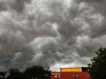Cielo tempestuoso de las nubes Fotos de archivo