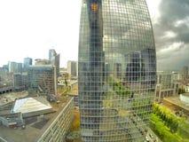 Cielo tempestuoso sobre la ciudad Imagen de archivo
