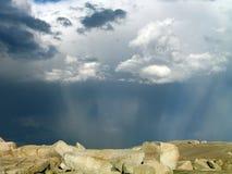 Cielo tempestuoso sobre la ensenada de Peggy foto de archivo