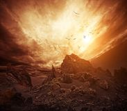 Cielo tempestuoso sobre rocas Imagen de archivo