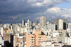 Cielo tempestuoso sobre Sao Paulo Fotos de archivo libres de regalías
