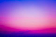 Cielo variopinto dopo il tramonto. fotografia stock