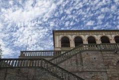 Cielo vergonzoso sobre el dei Vescovi del chalet Foto de archivo libre de regalías