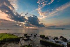 Cielo Vietnam di alba della baia di Nha Trang Fotografia Stock