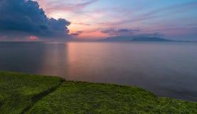 Cielo Vietnam di alba della baia di Nha Trang Fotografie Stock