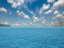 Cielo y agua del océano Imagen de archivo libre de regalías