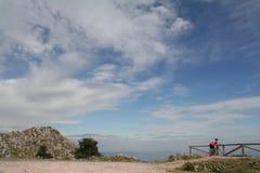 Cielo y ciclista Fotografía de archivo libre de regalías