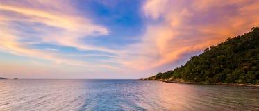 Cielo y mar, paisaje hermoso, Feliz Año Nuevo 2017 Imagen de archivo libre de regalías