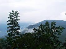 Cielo y montaña hermosos Fotografía de archivo