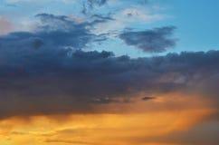 Cielo y nubes de tormenta para el fondo Fotografía de archivo libre de regalías