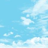 Cielo y nublado Imagenes de archivo
