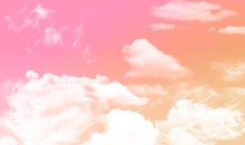 Cielo y nublado Imagen de archivo