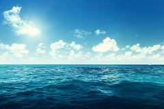 Cielo y océano perfectos Foto de archivo libre de regalías