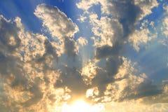 Cielo y puesta del sol Fotos de archivo libres de regalías