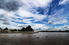 Cielo y río Imagen de archivo