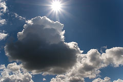 Cielo y sol de la naturaleza Fotografía de archivo libre de regalías