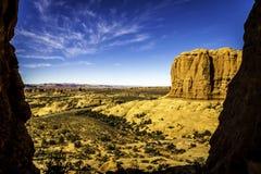 Cielos azules y rocas anaranjadas Fotografía de archivo libre de regalías