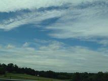 Cielos de azules Imagen de archivo libre de regalías