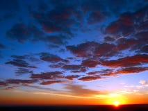 Cielos de la salida del sol imagenes de archivo
