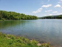 Cielos de la serenidad en el lago Ethel Foto de archivo libre de regalías