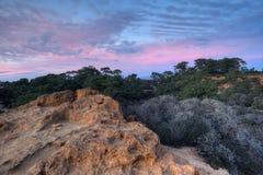 Cielos en colores pastel sobre Torrey Pines Fotografía de archivo