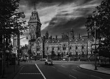 Cielos fabulosos sobre el parlamento del edificio de Canadá Fotos de archivo libres de regalías