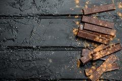 Ciemna czekolada z kakaowym proszkiem zdjęcia stock