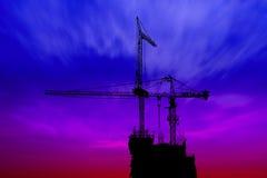 Ciemna zmierzchu i sylwetki budowa Fotografia Stock